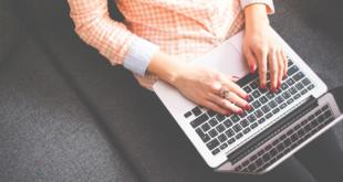 Bloggerin 310x165 - Wie können Bloggerinnen und Blogger ihren Online-Erfolg steigern?